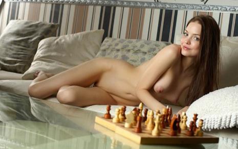 14 В шахматы на раздевание